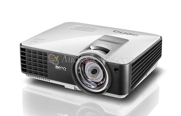 BenQ MX806ST Projecter