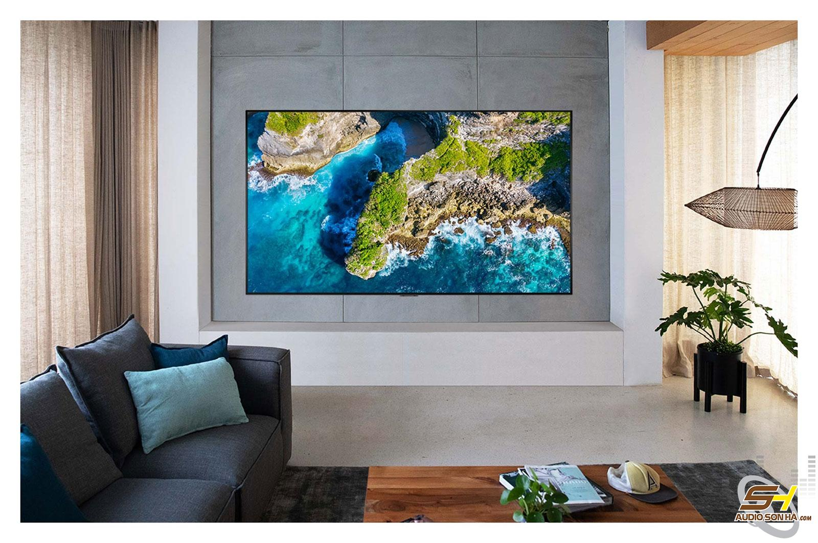 LG ZX 77 inch 8K SIGNATURE OLED TV