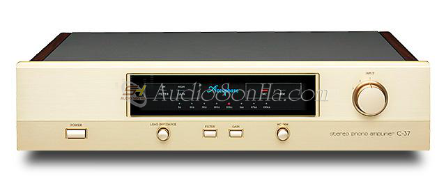 Accuphase C37 Preamplifier