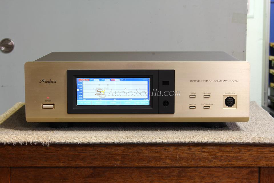 Accuphase DG-38 Voicing Equalizer