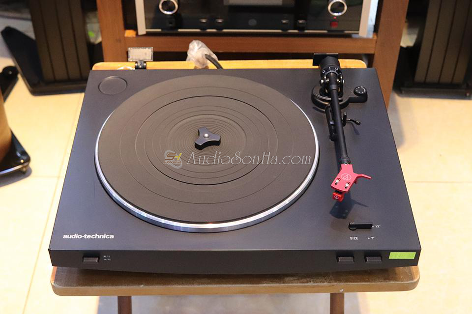 Audio Technica AT-LP3 Turntable