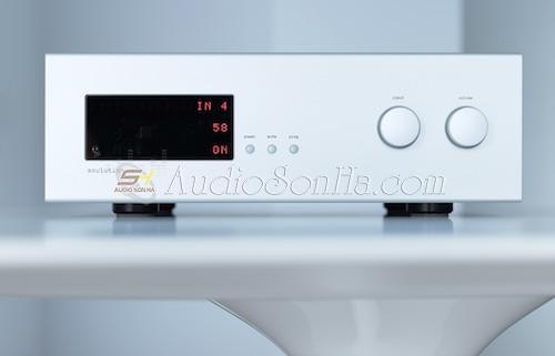 Pre amplifier Soulution 725